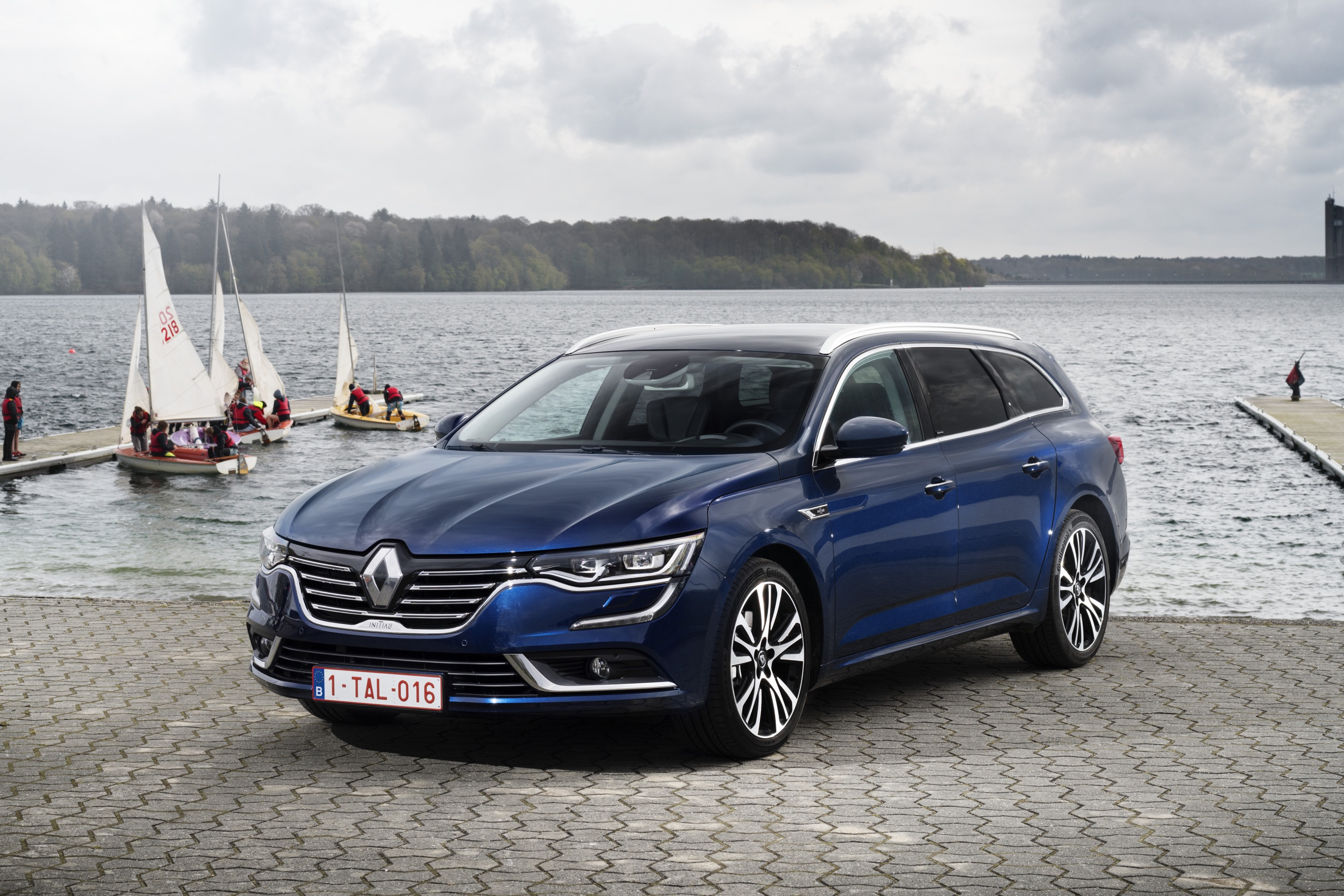 essai renault talisman grandtour du coffre en plus link2fleet link2fleet. Black Bedroom Furniture Sets. Home Design Ideas