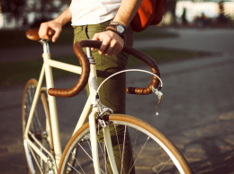 young-urban-hipster-bike