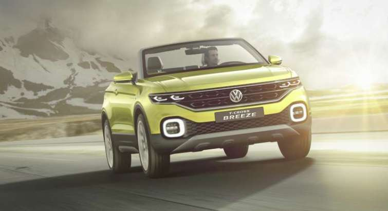 Volkswagen-TCross-Breeze-mountains