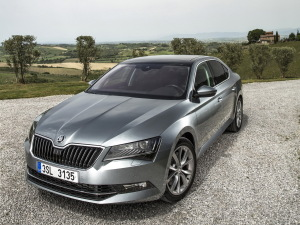 Nouvelle_Skoda_Superb_PresInter2015